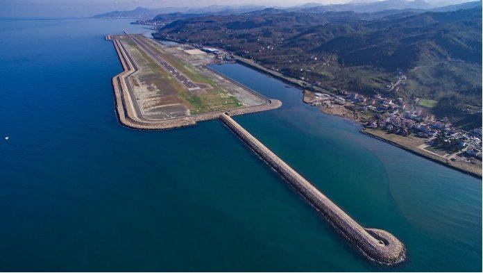 Ordu-Giresun Havalimanı, turizme katkısının yanı sıra daha önce çevre illerdeki havalimanlarını kullanmak durumunda kalan yöre halkına da ulaşımda büyük kolaylık sağladı.