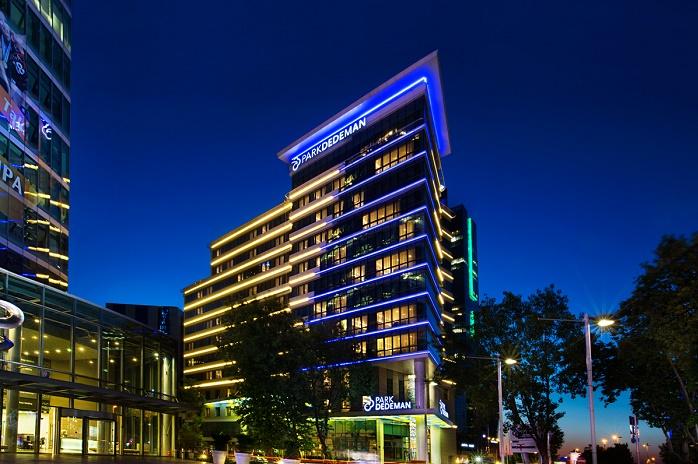 Dedeman Grubu, şu anda 16 faal otelde; bin 96 personel ve 2 bin 651 oda sayısı ile birlikte hizmet veriyor.