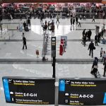 İstanbul'daki Atatürk ve Sabiha Gökçen havalimanlarını geçen yıl 89 milyon 696 bin 950 yolcu kullandı.