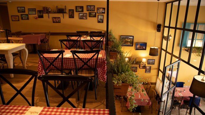İstanbul Taksim'de yer alan Cafe İtaliano