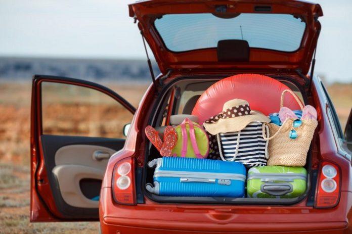 Araba ile Yunanistan seyahati.