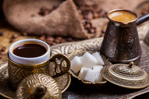 Bir kahvenin kırk yıl hatırı var. Japon kültüründe bir karşılığı var: Ongaeshi