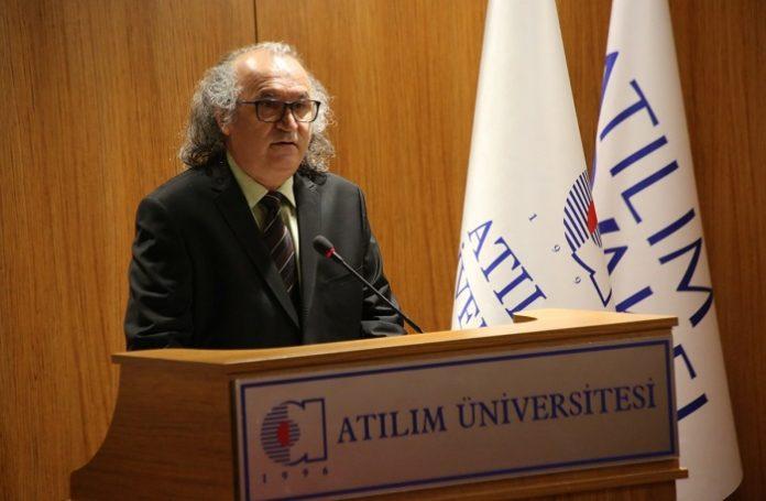 Anadolu Üniversitesi öğretim üyesi Prof. Dr. Nazmi Kozak