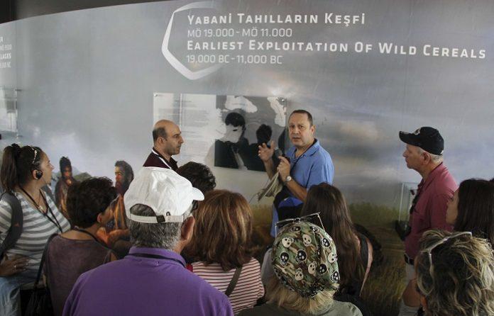 Profesyonel turist rehberi, seyahat yazarı ve uluslararası konuşmacı Şerif Yenen